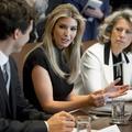 Ivanka Trump défend la place des femmes en entreprise avec Justin Trudeau
