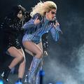 Lady Gaga, Beyoncé, Katy Perry : les tenues les plus mémorables du Super Bowl