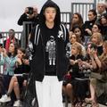 Défilé Chanel automne-hiver 2017-2018 : la mode sur orbite