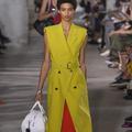 À New York, les designers résistent à la morosité avec un été 2018 haut en couleur