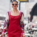 Seize façons de porter le rouge comme une Italienne