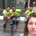 Une étudiante se prend en selfie avec les hommes qui la harcèlent dans la rue
