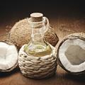 Cinq idées reçues sur les bienfaits de l'huile de coco
