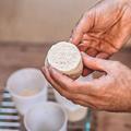 Crottin, feta, faisselle... Comment faire son fromage à la maison