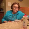 Une grand-mère italienne teste en vain l'enceinte Google Home
