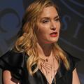 """C'est très émue que Kate Winslet regrette d'avoir travaillé avec """"certains individus"""""""