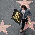"""Cent femmes défendent la """"liberté d'importuner"""" des hommes"""