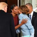 On sait (enfin) ce que contenait le paquet offert par Melania Trump à Michelle Obama