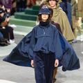 Velours, denim, le sportwear chic de Lacoste