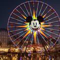 Opening Ceremony a présenté sa nouvelle collection à Disneyland
