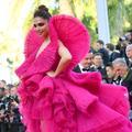 Deepika Padukone déploie ses ailes couture sur le red carpet