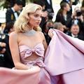 Elsa Hosk, néo Marilyn Monroe sur le tapis rouge du Festival de Cannes