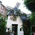 Dior ouvre un restaurant, le temps d'une soirée à Montmartre