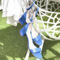 Sandales, escarpins, mules... Place à la couleur