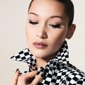 Eye-liner coloré : la leçon de Peter Philips, directeur artistique du maquillage Dior