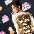 """""""I do care"""" : les célébrités réagissent à la veste polémique de Melania Trump"""