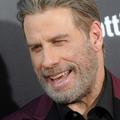 """John Travolta refait son légendaire déhanché de """"Grease"""" sur le plateau de Jimmy Fallon"""