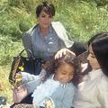 Le trio mères-filles Jenner-Kardashian-West prend la pose pour Fendi