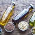 Lin, noix, arachide... Quelles huiles végétales choisir selon leurs bienfaits