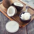 """L'huile de coco, un """"pur poison"""" selon une professeure de Harvard"""