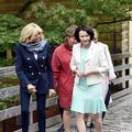 En visite d'État en Finlande, Brigitte Macron ose les sneakers