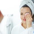 Rougeurs, points noirs, acné : quels sont les meilleurs soins anti-imperfection ?