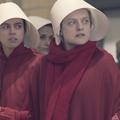 """Un costume """"sexy"""" de """"la Servante écarlate"""" crée la polémique"""