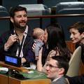 La première ministre néo-zélandaise emmène son bébé à l'assemblée des Nations Unies