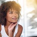 Anti-âge : pourquoi intégrer un sérum à son rituel beauté ?