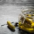 Le jus de cornichons, le nouvel ingrédient miracle auquel il ne faut pas succomber