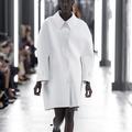 Défilé Louis Vuitton : un vestiaire qui donne le pouvoir aux femmes