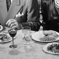 Voilà à quoi ressemblaient les bonnes manières, à table, il y a 129 ans