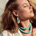 Turquoise d'hiver : 17 bijoux pour réchauffer son allure de saison