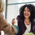 Cinq questions à poser à un recruteur pour briller en entretien d'embauche
