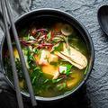 Quinze bouillons réconfortants et gourmands venus d'Asie