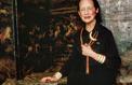 Diana Vreeland Assise sur des bagages Louis Vuitton