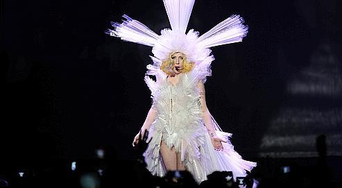 La chanteuse américaine Lady Gaga (ici lors de son concertà Bercy vendredi dernier), a déjà écoulé plus de 10 millions d'exemplairesde son unique album, The Fame Monster.