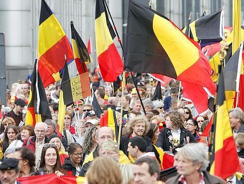 En mai dernier, une manifestation à Bruxelles rénissait 2000 personnes en faveur de l'unité de la Belgique. Aujourd'hui, pour nombre de Wallons, la scission de la Belgique est envisagée.