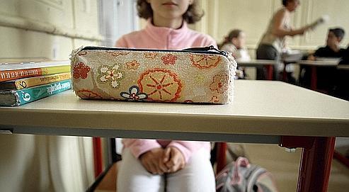 La pathologie grave de la phobie scolaire touche 1% des élèves français, mais plus d'un tiers des enfants déclarent avoir mal au ventre avant d'aller à l'école.
