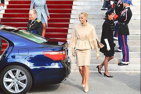 La princesse Charlène (ici samedi à Monaco) se débrouille seule pour l'instant, dans l'attente d'un recrutement imminent