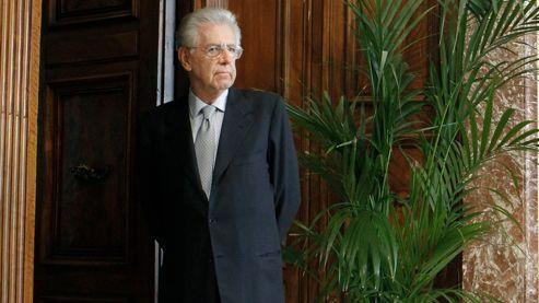 Malgré la politique d'austérité qu'il mène en Italie, Mario Monti, président du Conseil, dispose encore de 44% ou 55% d'opinions favorables selon les instituts de sondage.