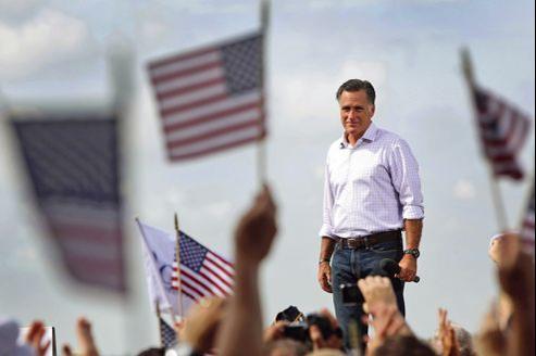Le candidat républicain, Mitt Romney, sur le tarmac de l'aéroport de Lakeland, en Floride, le 31 août.