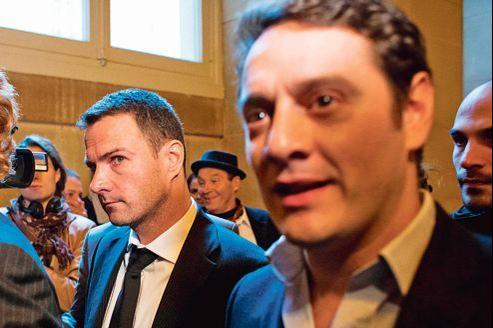 Jérôme Kerviel et son tonitruant avocat, David Koubbi (à droite), lors de son procès en appel, à Paris, mercredi. L'ex-trader de la Société générale s'est pourvu en cassation.