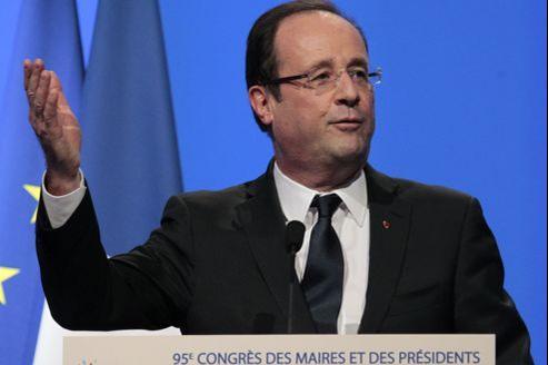 «La loi s'applique pour tous dans le respect, néanmoins, de la liberté de conscience», a déclaré mardi François Hollande au congrès des maires de France.