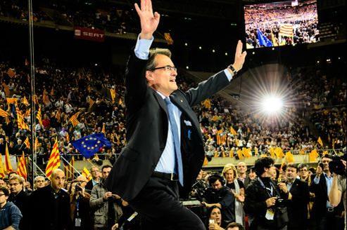 Arthur Mas, président du gouvernement régional de la Catalogne et candidat sortant, lors de son dernier meeting, vendredi, à Barcelone.