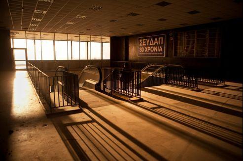 Le site d'Hellinikon, l'ancien aéroport d'Athènes, est l'un des projets de privatisation les plus importants d'Europe. Des manifestations ont accompagné l'annonce de pratiquement tous les projets de privatisation, même pour les avoirs qui perdent de l'argent depuis longtemps.