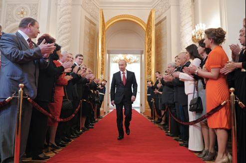 Après six mois d'un troisième mandat et une vague de manifestations de rue déstabilisantes, Vladimir Poutine a besoin d'une doctrine assez forte pour rassembler le pays derrière lui.
