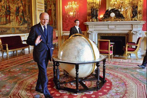 À la tête du Quai d'Orsay, Laurent Fabius avale les kilomètres. La semaine dernière, il se félicitait d'avoir parcouru l'équivalent de «cinq tours et demi» de la planète.
