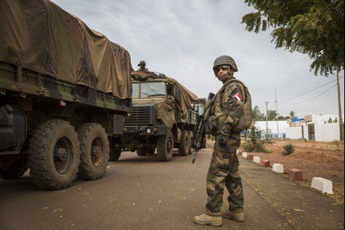 Paris a envoyé 3000 soldats de l'armée de terre combattre les groupes armés islamistes.