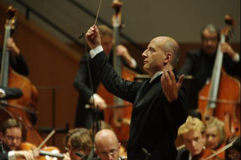 Paavo Järvi à la tête de l'orchestre de Paris.
